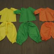 Ensembles oranges, verts et jaunes (x11) hauts + pantalons bouffants - 4/6 ans