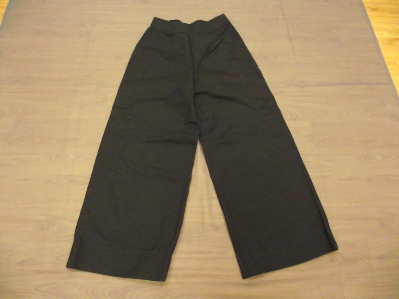 Pantalons noirs (x15) - 6/8 ans