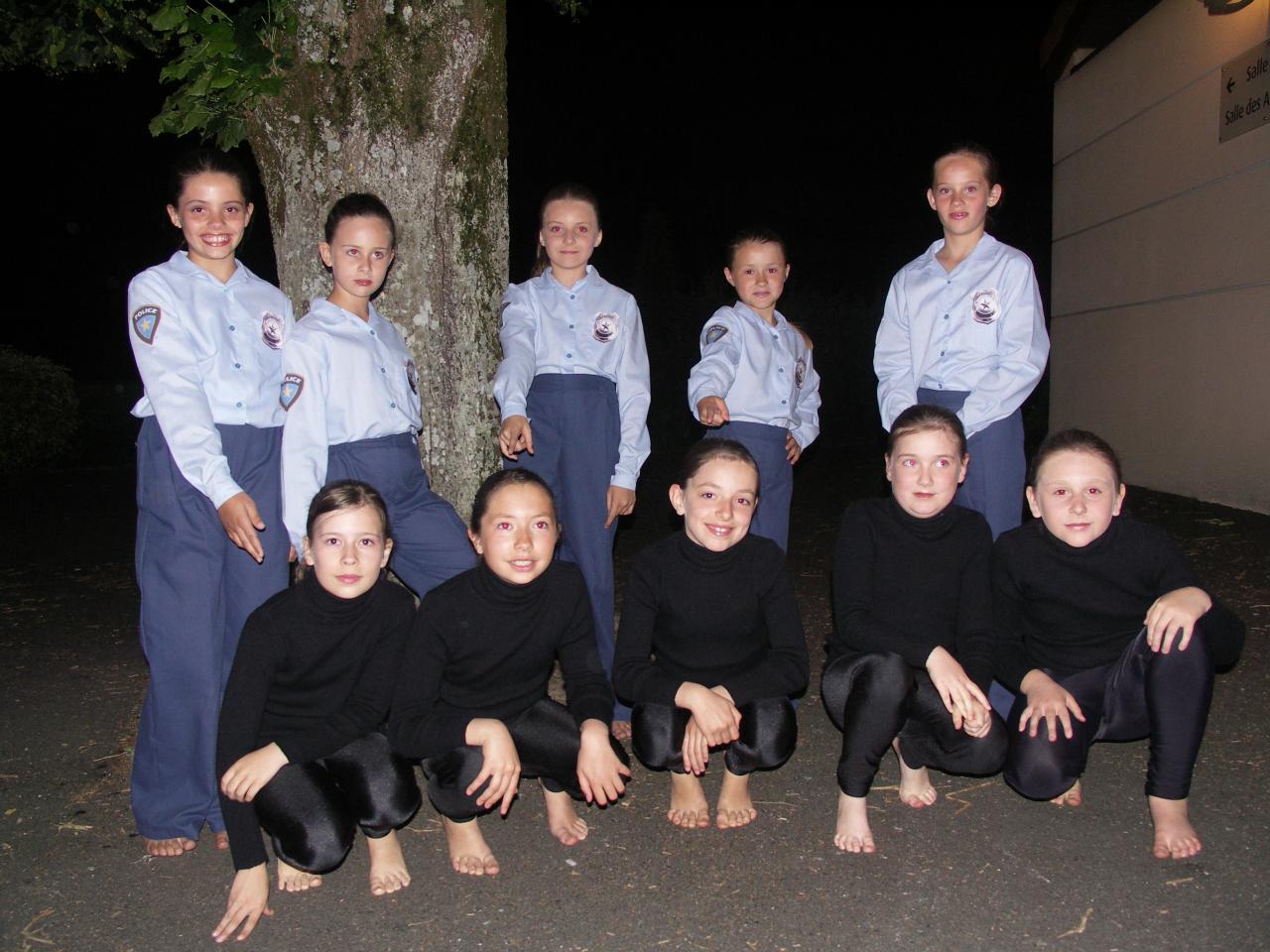 Ensembles chemise policier et pantalon bleu marines (x5 + 1 en 14 ans) - 8/10 ans